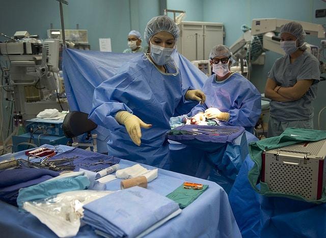 Пластично-възстановителната-хирурги